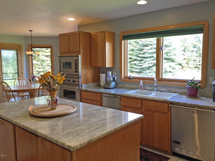 Additional photo for property listing at 335 Bear Lane  Kalispell, Montana 59901 United States