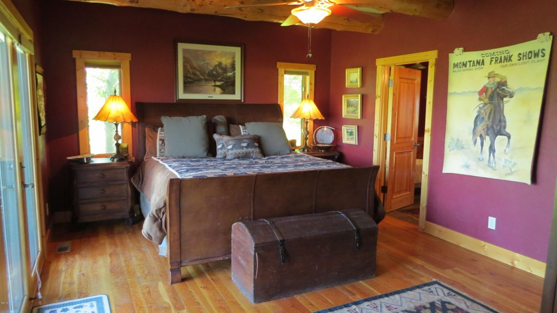 Additional photo for property listing at 533 Arrow Hill Drive  Hamilton, Montana 59840 United States