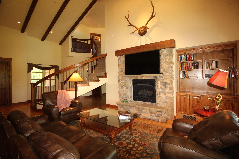 Additional photo for property listing at 312 Chapman Lane  Bigfork, Montana 59911 United States
