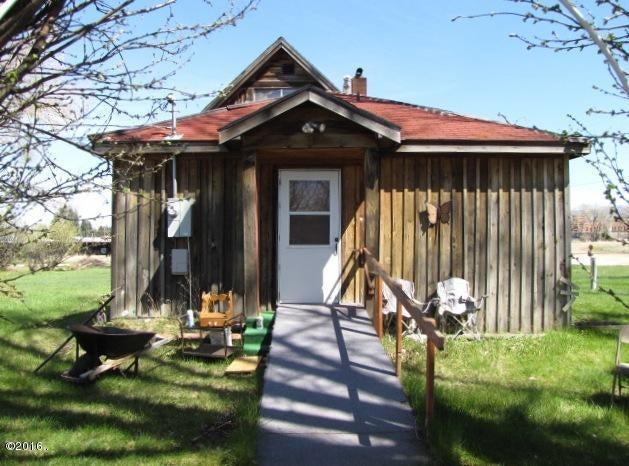106 College Avenue W, Deer Lodge, MT 59722