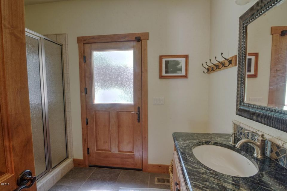 Additional photo for property listing at 30939 Station Creek Way  Polson, Montana 59860 United States
