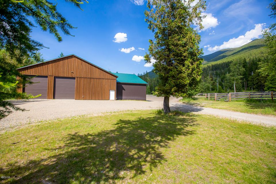 Additional photo for property listing at 5604  Graves Creek Road  Eureka, Montana,59917 États-Unis
