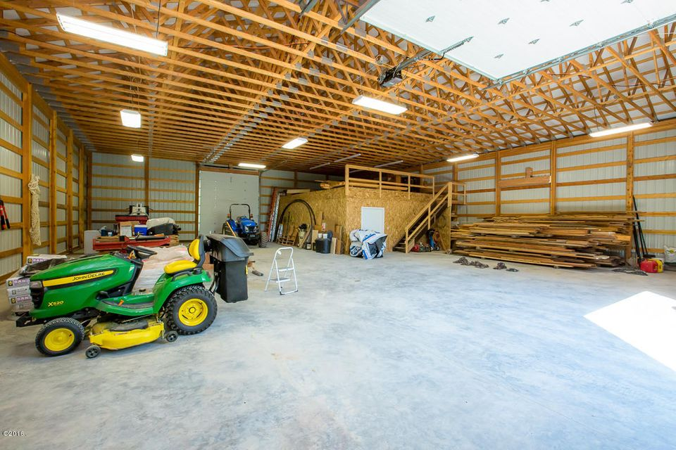 Additional photo for property listing at 5604  Graves Creek Road  Eureka, Montana,59917 Hoa Kỳ