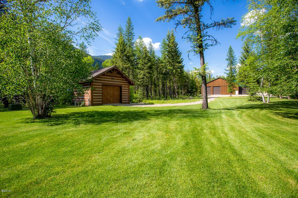 Additional photo for property listing at 5604  Graves Creek Road 5604  Graves Creek Road Eureka, Montana,59917 Hoa Kỳ