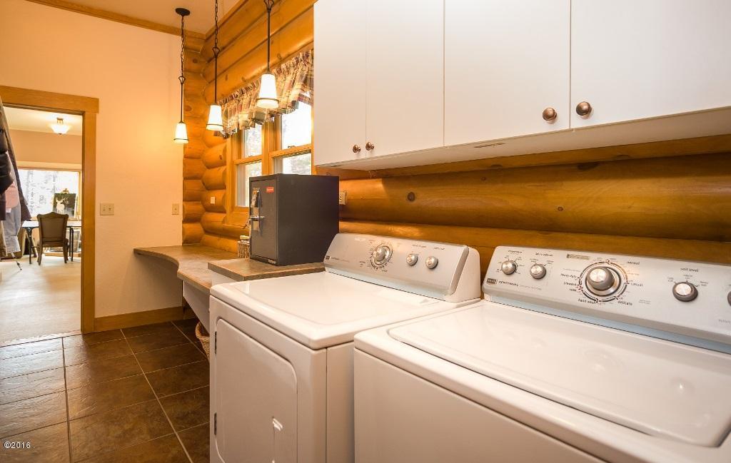 Additional photo for property listing at 20 Wood Ridge Drive 20 Wood Ridge Drive Columbia Falls, Montana 59912 United States