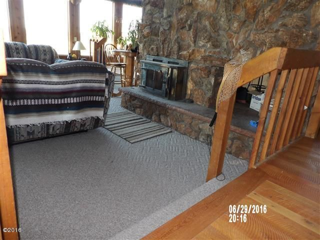 Additional photo for property listing at 982 Honeyhouse Lane  Corvallis, Montana 59828 United States