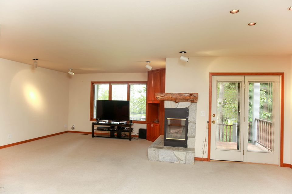 Additional photo for property listing at 1750 East Lakeshore Drive  Whitefish, Montana 59937 United States