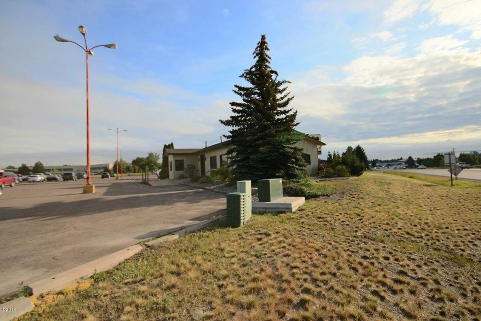 Additional photo for property listing at 1315 Highway 2 West 1315 Highway 2 West Kalispell, Montana 59901 United States