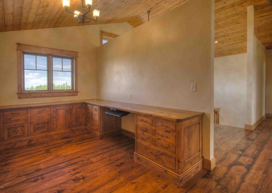 Additional photo for property listing at 351  Ogden Lane  Hamilton, Montana,59840 Estados Unidos