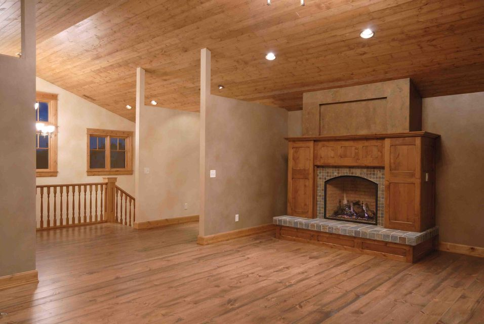 Additional photo for property listing at 351  Ogden Lane  Hamilton, Montana,59840 United States