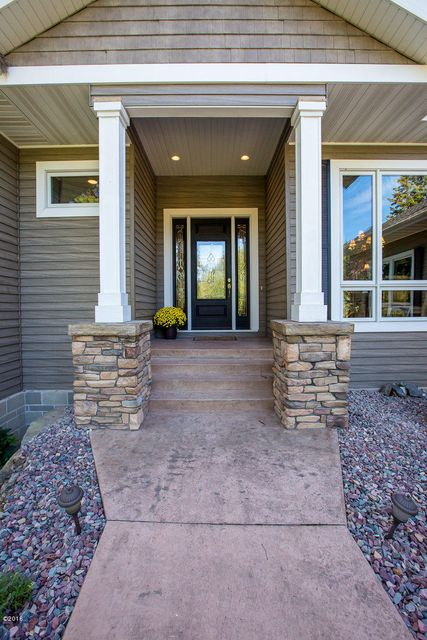 Additional photo for property listing at 100  Sunrise Court  Kalispell, 蒙大拿州,59901 美國