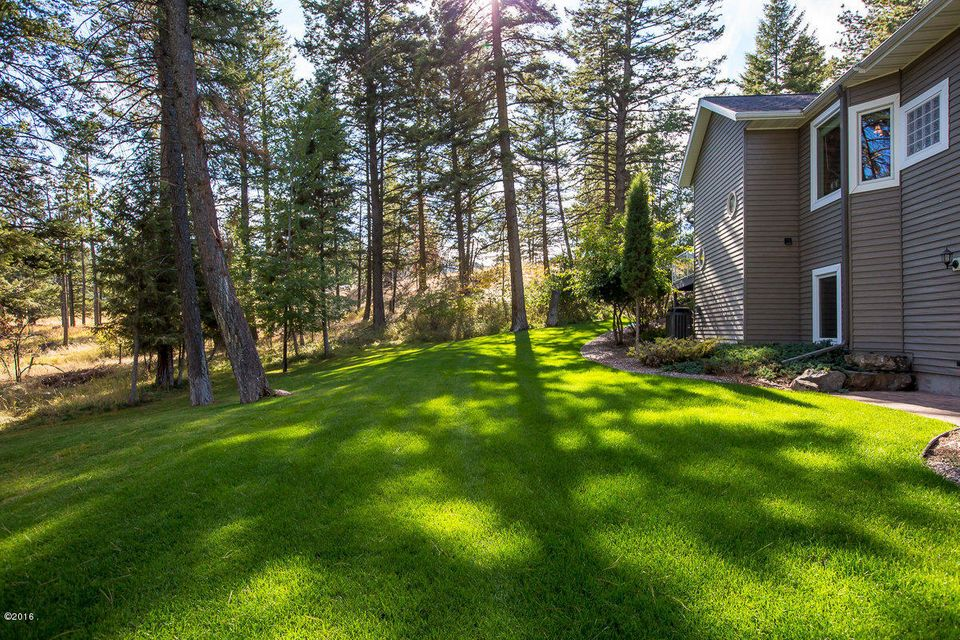 Additional photo for property listing at 100  Sunrise Court 100  Sunrise Court Kalispell, Montana,59901 États-Unis