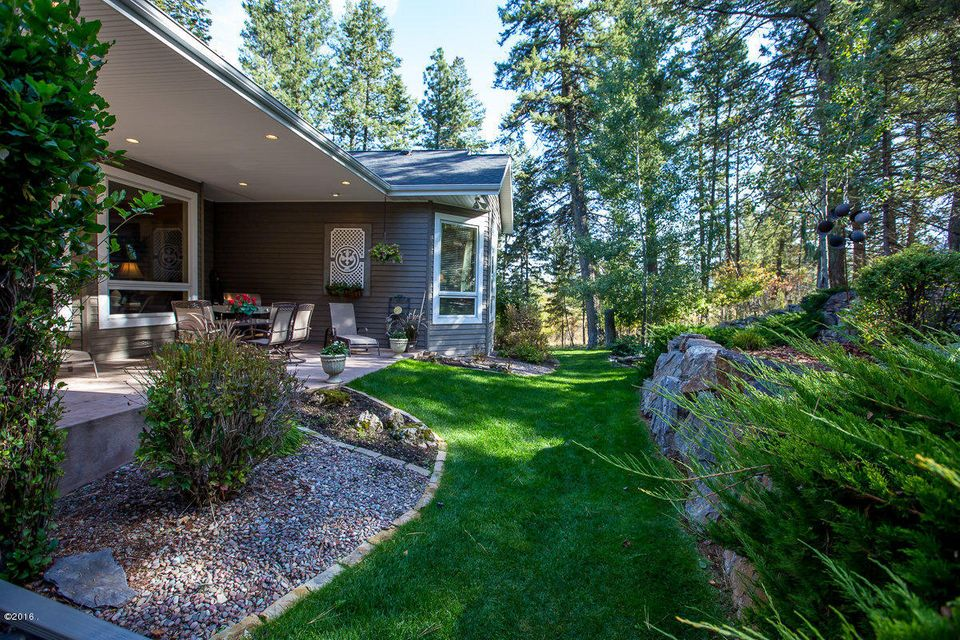 Additional photo for property listing at 100  Sunrise Court  Kalispell, モンタナ,59901 アメリカ合衆国