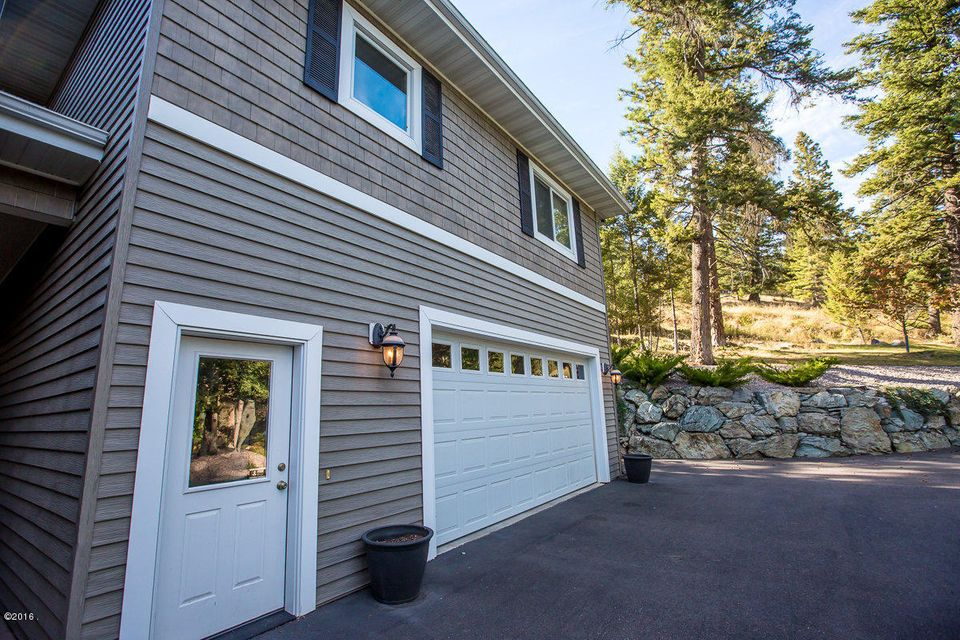 Additional photo for property listing at 100  Sunrise Court  Kalispell, Montana,59901 Estados Unidos