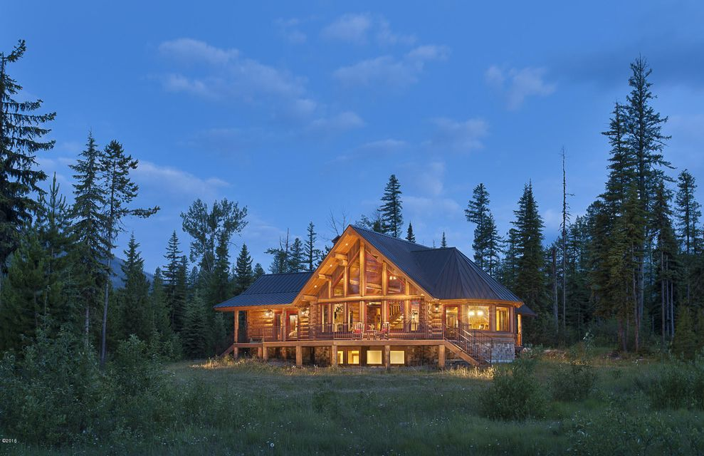 Maison unifamiliale pour l Vente à 15900 North Fork Road 15900 North Fork Road Polebridge, Montana,59928 États-Unis