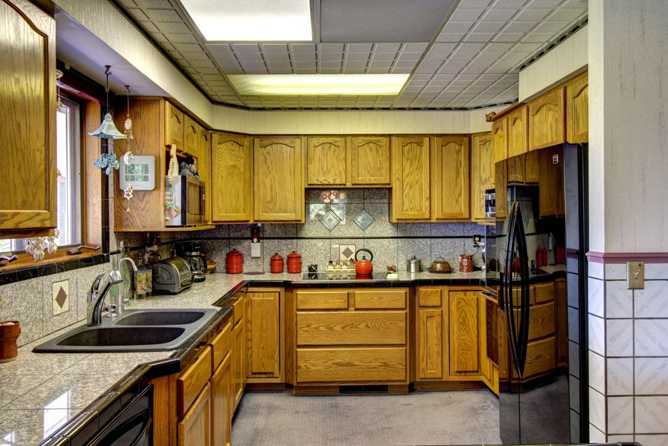 Additional photo for property listing at 231 West Reserve Drive  Kalispell, Montana,59901 Amerika Birleşik Devletleri