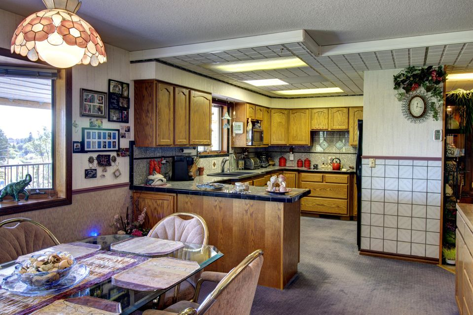 Additional photo for property listing at 231 West Reserve Drive  Kalispell, Montana 59901 United States