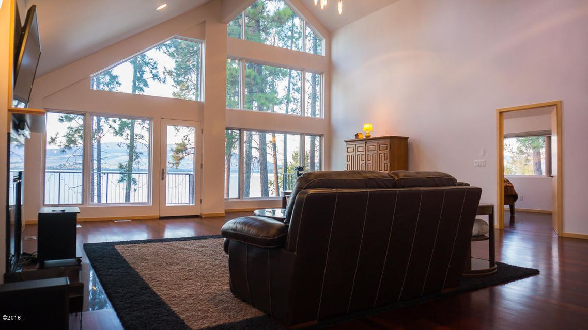 Additional photo for property listing at 43210 La Bella Lane  Big Arm, Montana 59910 United States