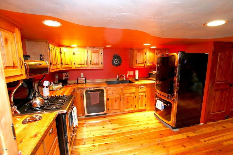 Additional photo for property listing at 208 West Kearney Street  Philipsburg, Montana 59858 United States