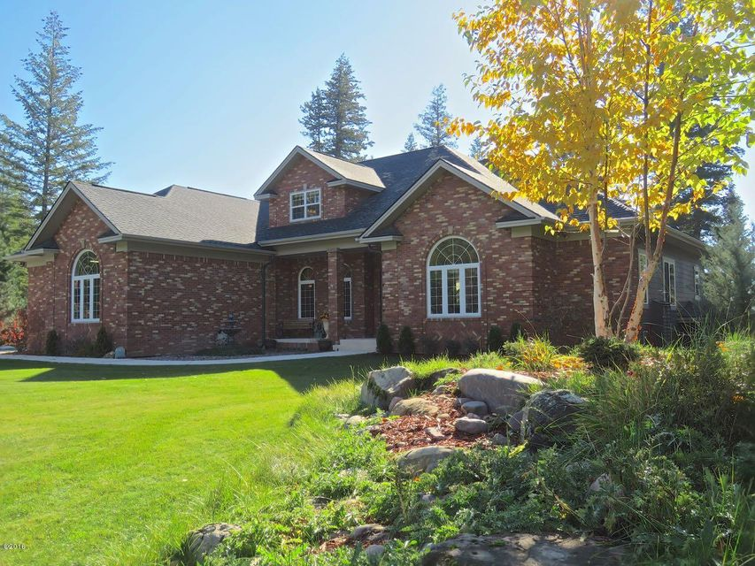 Single Family Home for Sale at 30 Wood Ridge Drive Columbia Falls, Montana 59912 United States