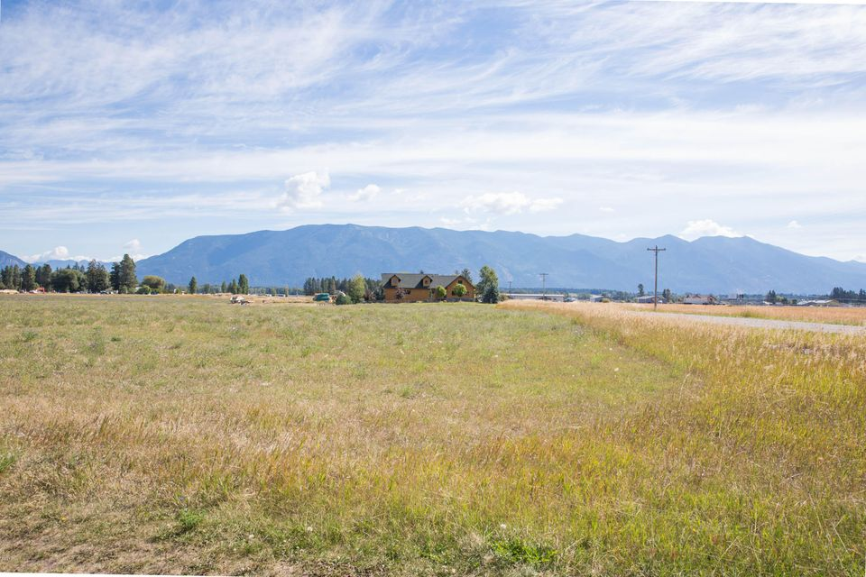 Additional photo for property listing at 127 Wishart Road  Columbia Falls, Montana 59912 United States