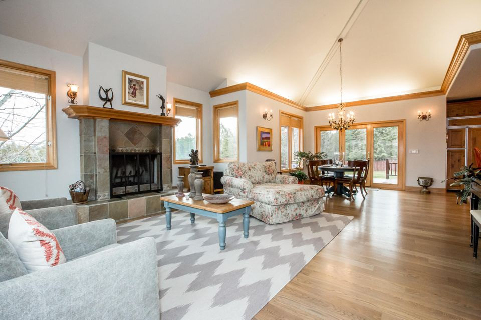 Additional photo for property listing at 308 Fairway Drive  Whitefish, Montana 59937 United States