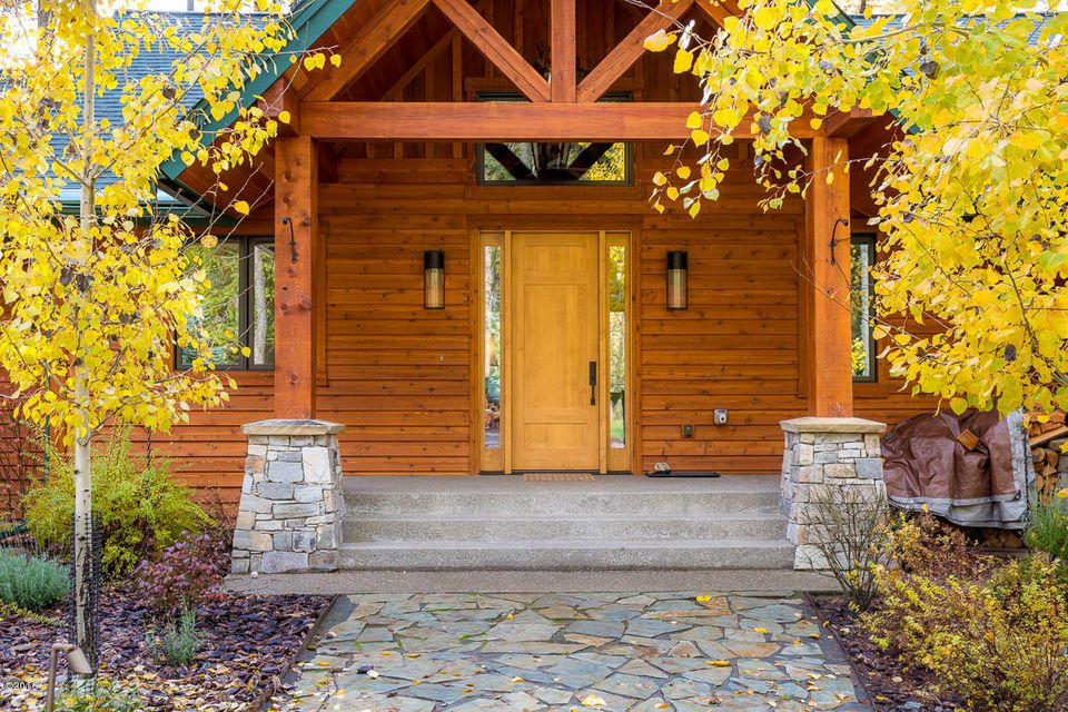 Additional photo for property listing at 109 Hidden Hills Lane 109 Hidden Hills Lane Whitefish, Montana 59937 United States