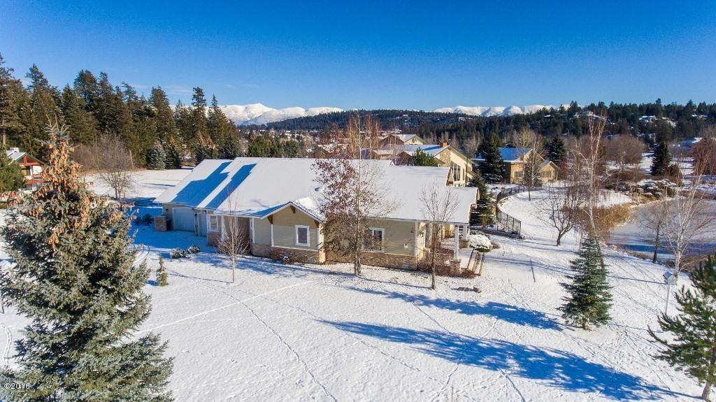 Additional photo for property listing at 220 Harbor Drive  Bigfork, Montana 59911 United States