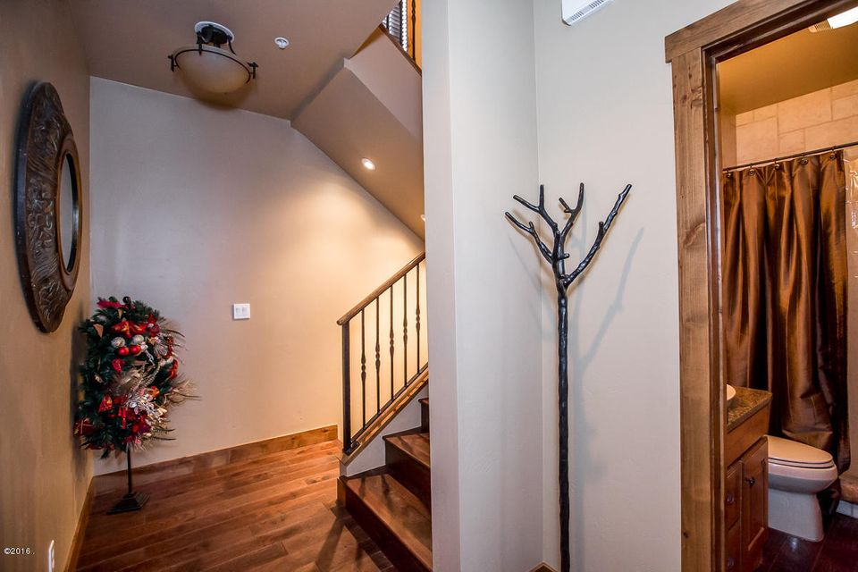 Additional photo for property listing at 3828 Tamarack Avenue 3828 Tamarack Avenue Whitefish, Montana 59937 United States