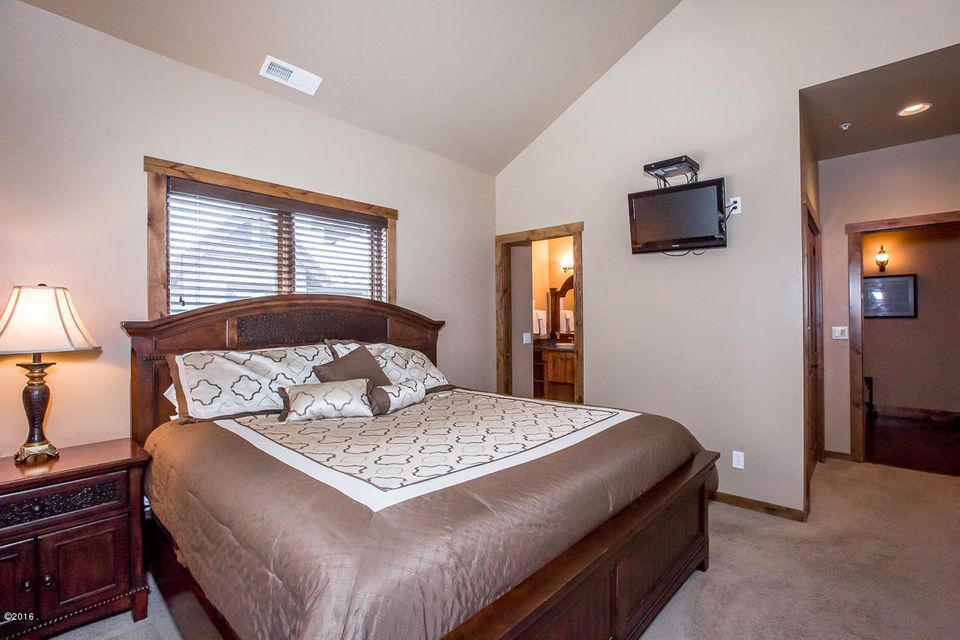Additional photo for property listing at 3828 Tamarack Avenue  Whitefish, Montana 59937 United States