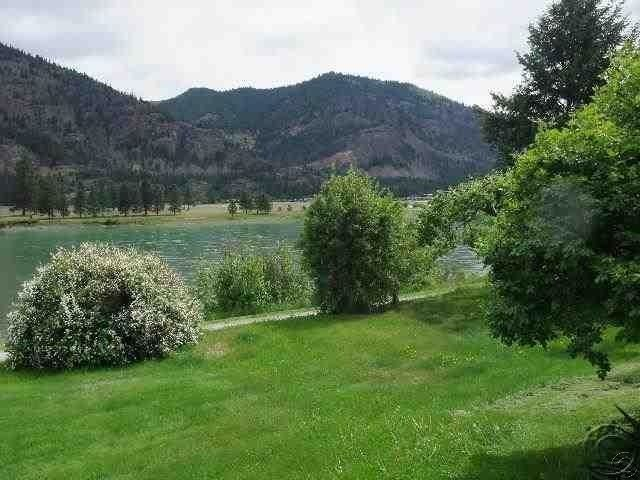 Additional photo for property listing at 556 East River Road 556 East River Road Plains, Montana 59859 United States