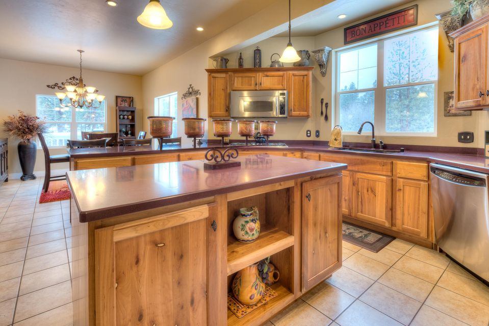 Additional photo for property listing at 302 Misty Pine Trail  Hamilton, Montana 59840 United States