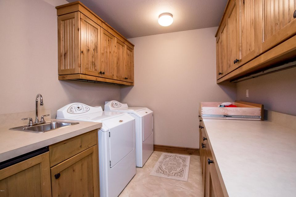Car Rental Whitefish Mt 2057 Silverberry Lane, Whitefish Montana - MLS# 21700418 | PureWest ...