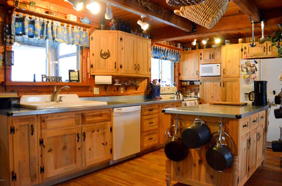 Additional photo for property listing at 93 Cherry Creek Road  Thompson Falls, Montana 59873 United States