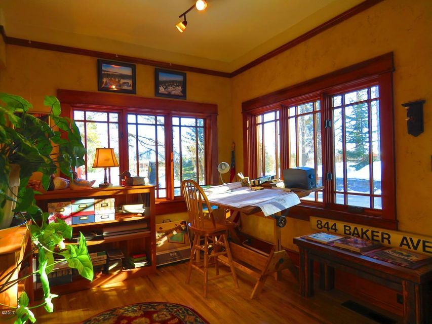 Additional photo for property listing at 844 Baker Avenue  Whitefish, Montana 59937 United States
