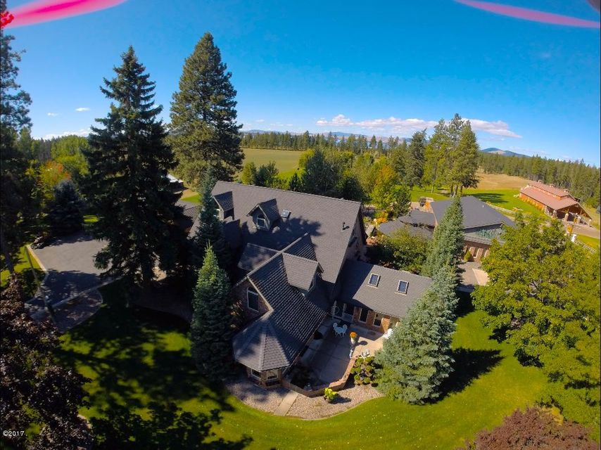 Additional photo for property listing at 33213 Finley Point Road 33213 Finley Point Road Polson, Montana 59860 United States
