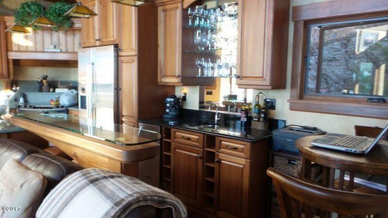021_Open Kitchen Area
