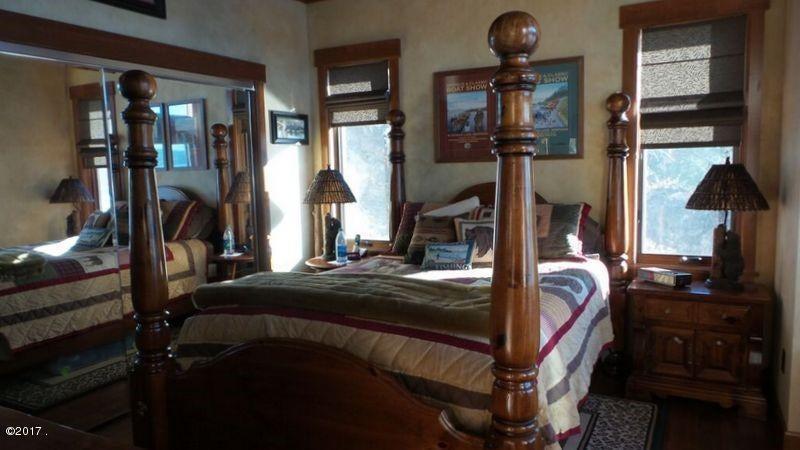 023_Main Bedroom