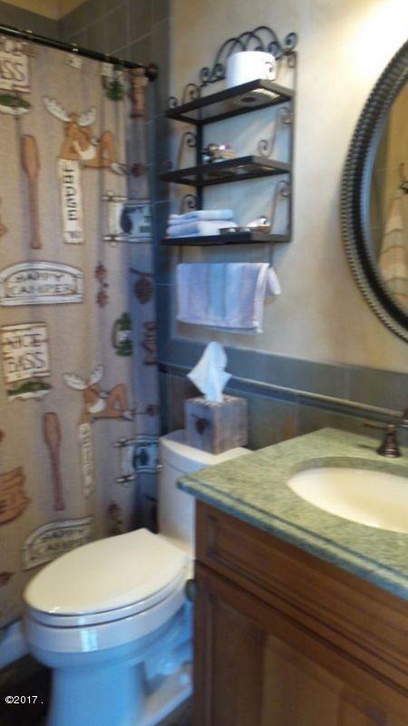 024_Full Bathroom