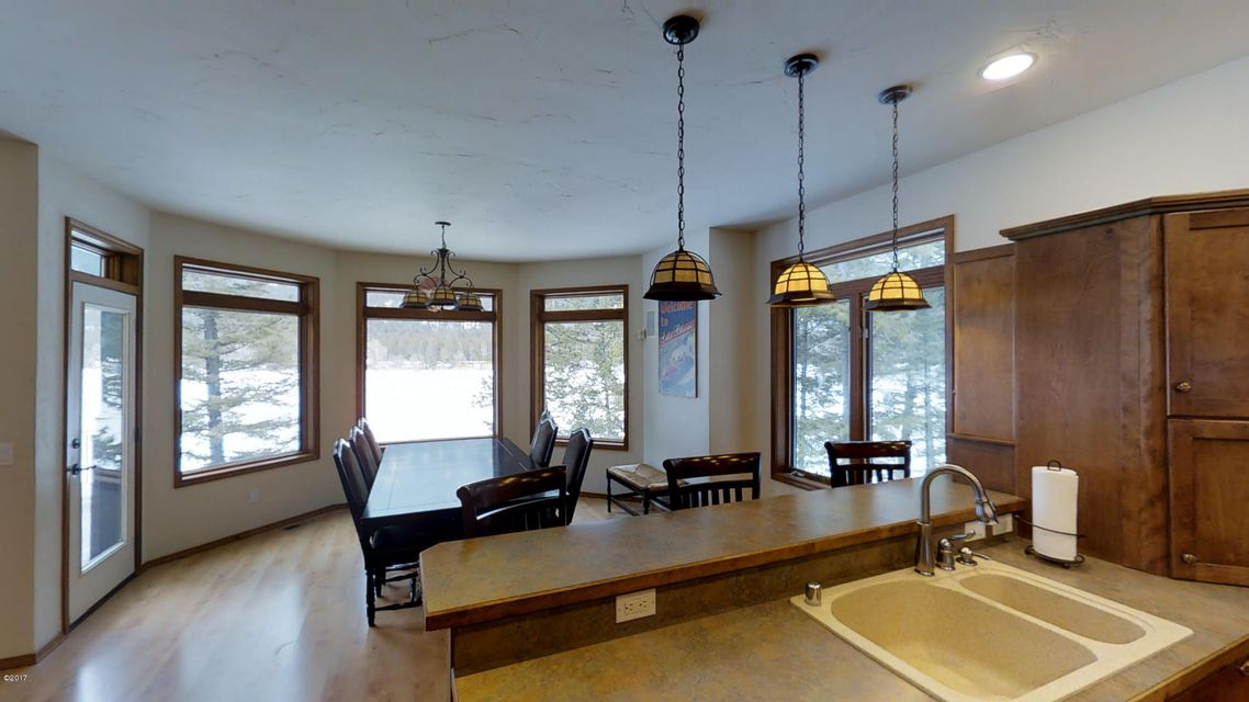 Additional photo for property listing at 233 Lake Blaine Drive 233 Lake Blaine Drive Kalispell, Montana 59901 United States