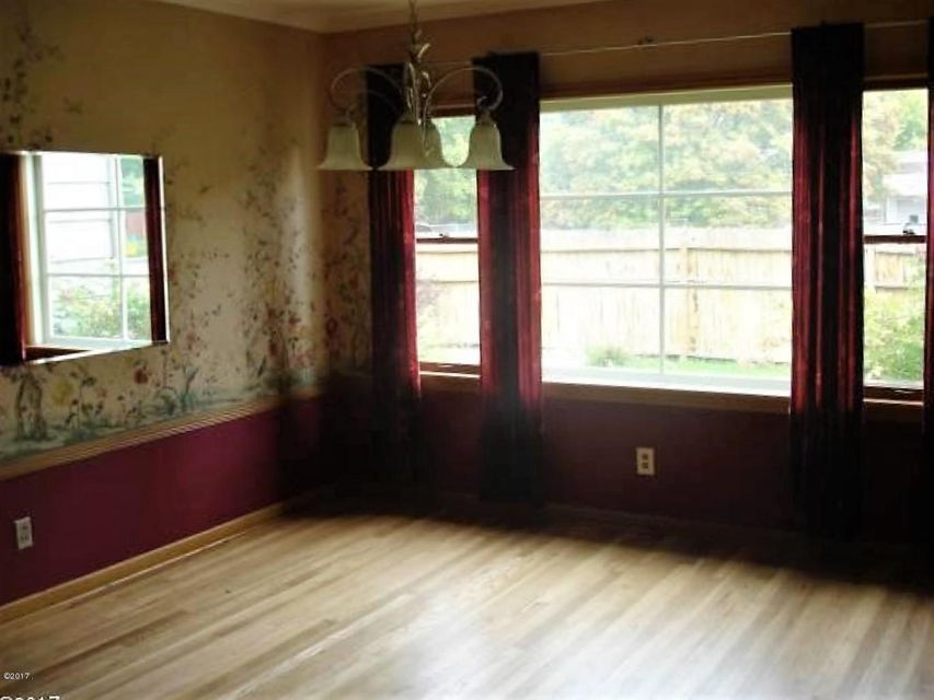 Additional photo for property listing at 440 Woodworth Avenue  Missoula, Montana 59801 United States
