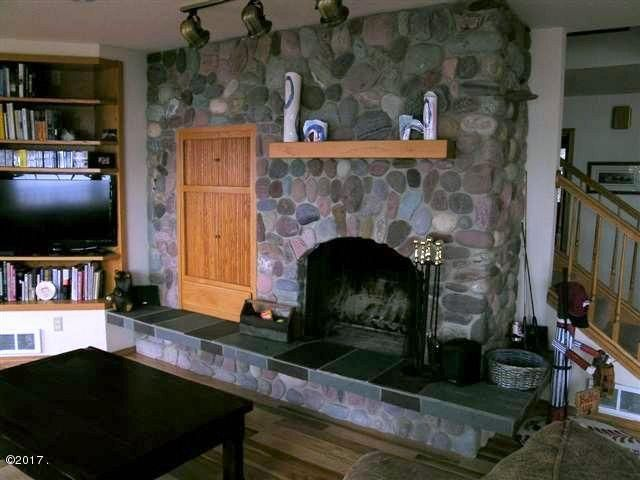Additional photo for property listing at 19495 Mt Highway 35 19495 Mt Highway 35 Bigfork, Montana 59911 United States