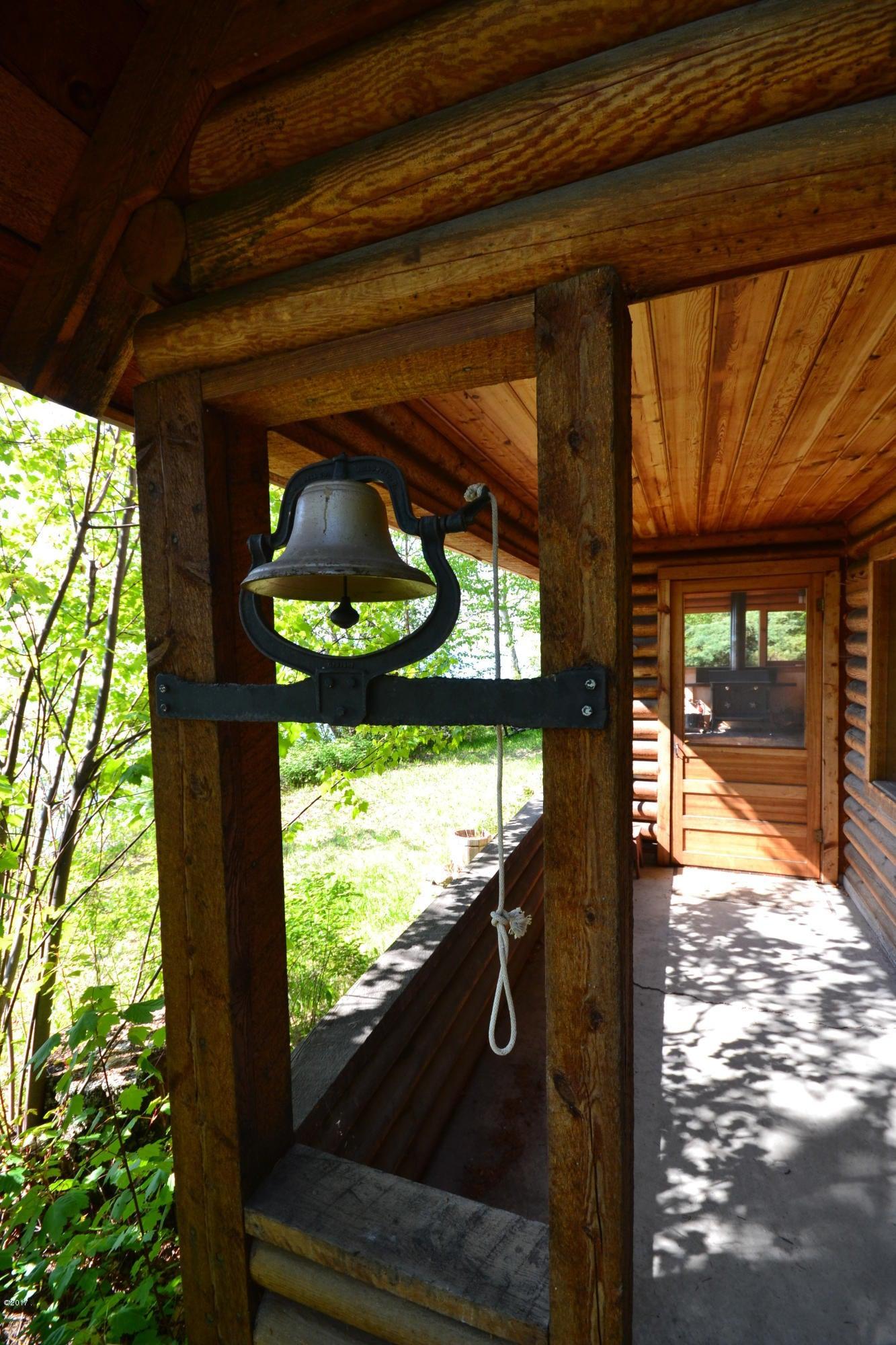 Additional photo for property listing at 30203 Festou Lane  Polson, Montana 59860 United States