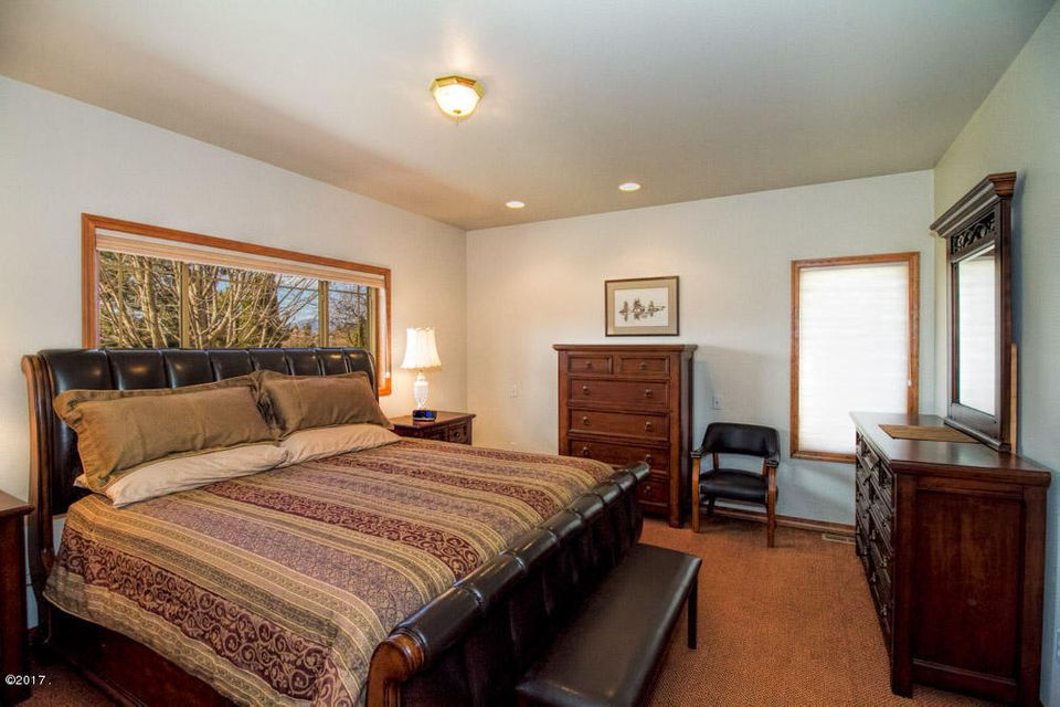 Additional photo for property listing at 201 Eagle Drive  Polson, Montana 59860 United States