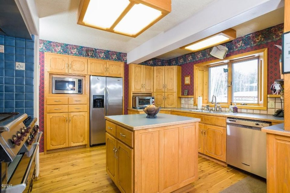 Additional photo for property listing at 23118 Fenby Lane  Swan Lake, Montana 59911 United States