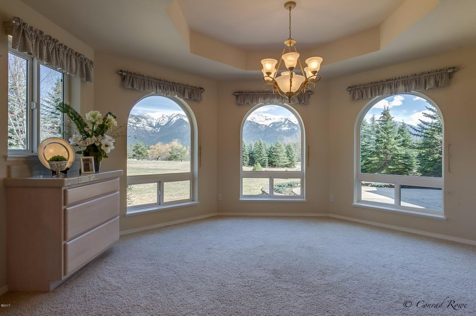 Additional photo for property listing at 670 North Ferndale Drive  Bigfork, Montana 59911 United States