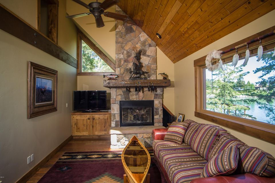 Additional photo for property listing at 423 Lakeshore Drive  Lakeside, Montana 59922 United States
