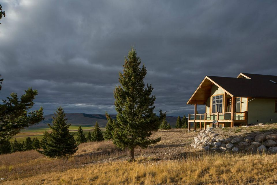 19 Deer Lane, Philipsburg, MT 59858