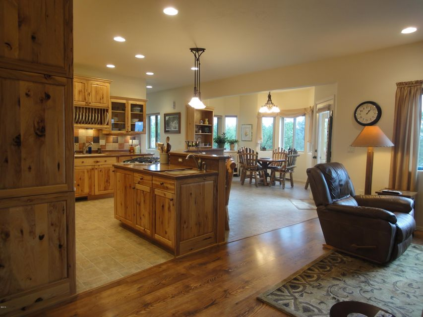 Additional photo for property listing at 101 Swan Ridge Court  Kalispell, Montana 59901 United States
