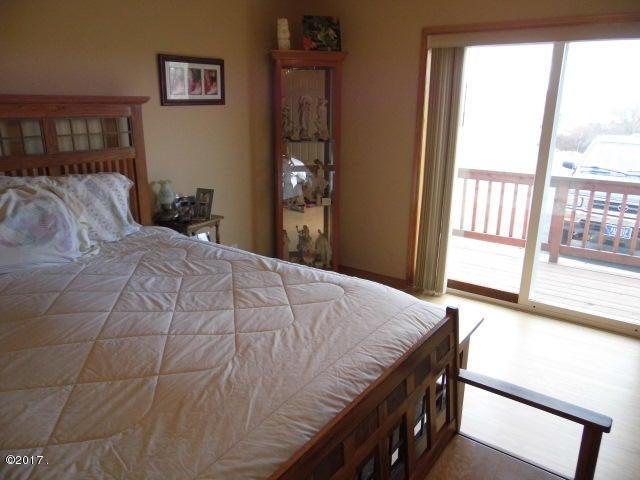 Master Bedroom to Sliding Door